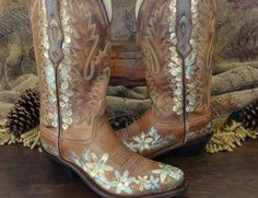 Hand Painted Boots @ rawhidenroses