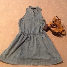 Denim dress with pockets NEVER WORN Never worn denim dress with pockets and eyelet on back American Eagle Outfitters Dresses Midi