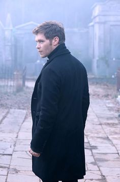 Leave it to Klaus to make a vengeful trip to the cemetery look like a gorgeous ad for men's coats. #TheOriginals