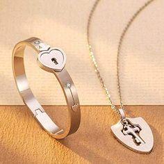 Soni Fashion New Design Heart Lock and Key Stainless Steel Couple Bracelet Pendant Set for Lovers Men and Women (Rose gold) Couple Bracelets, Couple Rings, Bangle Bracelets, Bangles, Key Pendant, Pendant Necklace, Couple Ring Design, Cartier Love Bracelet, Ring Designs