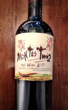 Montes Twins A nice South American Malbec-Cab blend. Almost good enough to drink first! Chilean Wine, Wine Bottle Design, Happy Drink, Wine Reviews, Wine Art, Cabernet Sauvignon, Wine Country, Red Wine, Alcoholic Drinks
