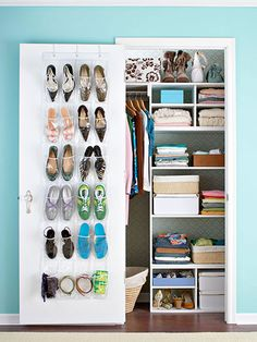 When closet space is at a premium, it's important to make every inch count. Keep your small closet organized with these storage-rich tips to make it live large. Small Closet Organization, Organization Hacks, Organizing Tips, Organising, Wardrobe Organisation, Airing Cupboard Organisation, Bedroom Organization, Organiser Son Dressing, Ideas Armario