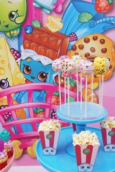 Cake pops + Palomitas de una fiesta de cumpleaños Shopkins