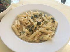 Cestoviny s cuketou (fotorecept) - recept | Varecha.sk Pasta Salad, Ethnic Recipes, Food, Crab Pasta Salad, Essen, Meals, Yemek, Eten