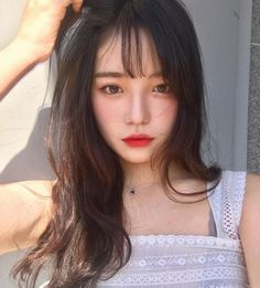 Discovered by Marissa. Find images and videos about girl, hair and beauty on We Heart It - the app to get lost in what you love. Ulzzang Korean Girl, Cute Korean Girl, Uzzlang Girl, Girl Face, Korean Beauty, Asian Beauty, Face Hair, Girls Makeup, Beautiful Asian Girls