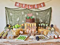Una divertida mesa para una fiesta zombie / A fun table for a zombie party