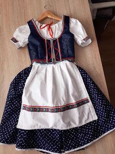 Apron, Crafts, Fashion, Outfits, Moda, Manualidades, Fashion Styles, Handmade Crafts, Craft