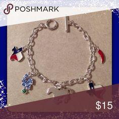 Texas Charm Bracelet Adorable Texas charm bracelet. Jewelry Bracelets