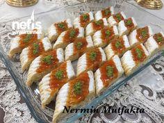 Şeki Şahane Marmelatlı Kurabiye (sıvıyağlı) Bruschetta, Sushi, Food And Drink, Cookies, Ethnic Recipes, Desserts, Anne, Pizza, Model