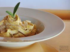 Pasta amb salsa de nous i fruits secs. Veggie Recipes, Pasta Recipes, Healthy Recipes, Healthy Food, Barbacoa, Chutney, Sauce Salsa, Pasta Soup, Vegetarian Cooking