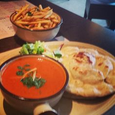 curry, fries & naan - perfect! #tamatanga on Tagboard Naan, Thai Red Curry, Fries, Tasty, Ethnic Recipes, Photos, Food, Pictures, Essen