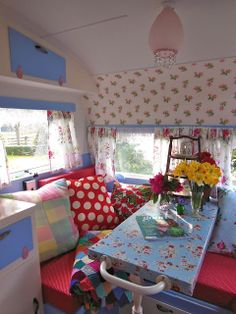 An angel in the garden: Lucy, Our Sweet Vintage Caravan - great blog with lots of pictures!