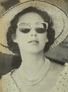 A Guilty Pleasure Princess Margaret Royal Princess, Princess Diana, Queen's Sister, Margaret Rose, Good Old Times, Queen Mother, Vintage Glam, Royal House, Black And White Portraits