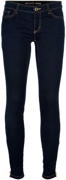 Skinny Jeans - Jeans have always been a classic piece of clothing, because everyone wears them.