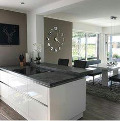 39 Big Kitchen Interior Design Ideas for a Unique Kitchen Luxury Kitchen Design, Kitchen Room Design, Living Room Kitchen, Home Decor Kitchen, Interior Design Living Room, Home Kitchens, Big Kitchen, Kitchen Ideas, Kitchen Modern