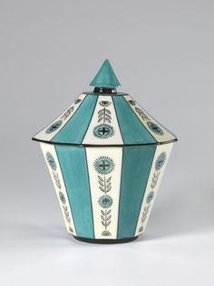 Jar with lid by Nora Gulbrandsen for Porsgrund Porselen. Date 1928