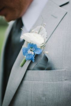 pretty blue hued bouts Photography By / http://sheachristine.com,Floral Design By / http://atmospheresfloral.com