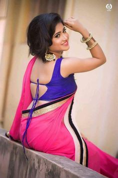 Indian Beauty Saree, Indian Sarees, Delhi Girls, Simple Sarees, Indian Look, Sexy Blouse, Trendy Dresses, Traditional Dresses, Indian Outfits