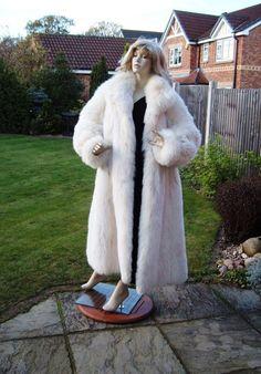 polar fox fur coat. Well worth pursuing. Fox Fur Coat, Fur Coats, White Fox, Blue And White, Black, Fur Clothing, Just For Men, Furs, Clothes
