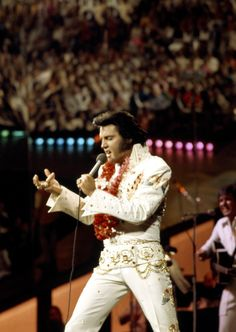 Elvis in concert in Hawaii january 14 1973.