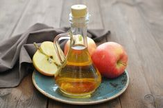 Apple cider vinegar is fermented apples and water. It is a wildly popular ingredient used in natural health remedies, whether for managing health conditions or aiding weight loss. Learn more about the scientific research behind apple cider vinegar. Psoriasis Cure, Psoriasis Remedies, Acne Remedies, Health Remedies, Natural Remedies, Natural Treatments, Psoriasis Symptoms, Herbal Remedies, Heartburn Symptoms