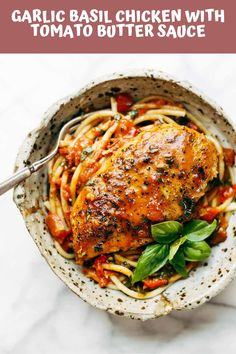 Garlic Basil Chicken - you won't believe that this easy real food recipe only requires 7 ingredients like basil, garlic, olive oil, tomatoes, and butter. summer food Garlic Basil Chicken with Tomato Butter Sauce Pasta Recipes, Yummy Recipes, Real Food Recipes, Chicken Recipes, Dinner Recipes, Cooking Recipes, Healthy Recipes, Sauce Recipes, Recipe Chicken