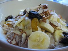Make warm, hearty, delicious oatmeal in minutes - on the stove top! Protein Packed Breakfast, Breakfast Snacks, Breakfast Ideas, Cooking Oatmeal, Oatmeal Recipes, Old Fashioned Oatmeal, Stove Top Recipes, Recipe Of The Day, Plant Based Recipes