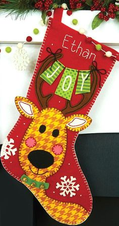 This felt applique kit contains one felting needle, pre-sorted cotton thread, die-cut felt, jing - Crafting Practice Quilted Christmas Stockings, Christmas Stocking Pattern, Felt Stocking, Christmas Applique, Xmas Stockings, Christmas Sewing, Noel Christmas, Stocking Ideas, Nordic Christmas