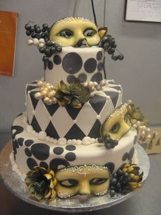Masque   ( want to copy this cake so bad)