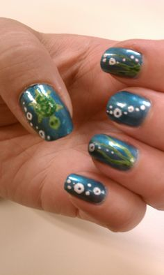 My co-worker Erin painted her nails with little turtles and bubbles. Super Cute!