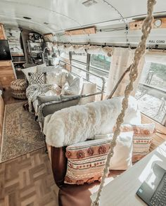 Home Design, Tiny House Design, Interior Design, School Bus Tiny House, Bus House, Bus Living, Tiny House Living, Van Home, Camper Renovation