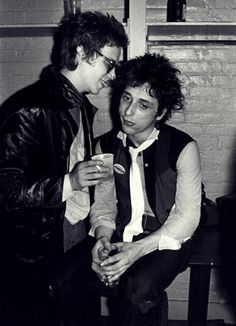 Richard Hell & Johnny Thunders photographed by Ebet Roberts.