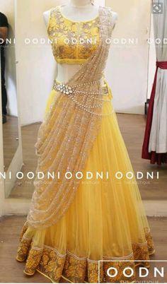 Sari style lehenga with waist chain Mehr Mode Bollywood, Bollywood Stars, Bollywood Bridal, Bollywood Fashion, Half Saree Designs, Lehenga Designs, Choli Designs, Blouse Designs, Indian Gowns Dresses
