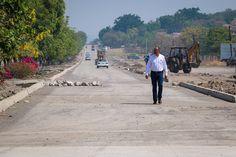 Los trabajos en esta vía en la zona urbana, denominada avenida Lázaro Cárdenas, en el municipio de Parácuaro, forman parte del programa de rehabilitación de la Red Carretera Estatal, informa ...