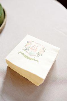 Customized napkins. Photography by perezweddings.com