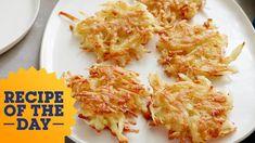 Ina's Potato Latkes   Food Network - YouTube Beef Recipes For Dinner, Baby Food Recipes, Food Network Recipes, Cooking Recipes, Food Baby, Potato Recipes, Yummy Recipes, Potato Latkes, Potato Pancakes