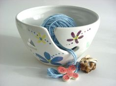 Falling in love with yarn bowls. Concept and beauty.