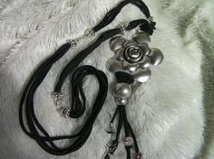 COLLAR DE PLATA Y TELA - NECKLACE MADE OF SILVER AND CLOTH