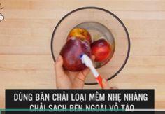 Mẹo phát hiện táo chứa chất độc