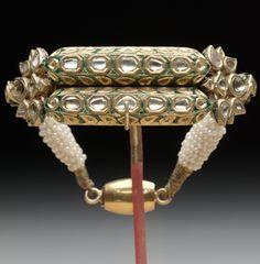 Bracelet, 19th century, Asian, Overall: 1 x 3 x 3 in. (2.54 x 7.62 x 7.62 cm), Enamel, Diamonds, Pearls