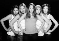 """Résultat de recherche d'images pour """"photo de groupe filles femmes studio"""""""