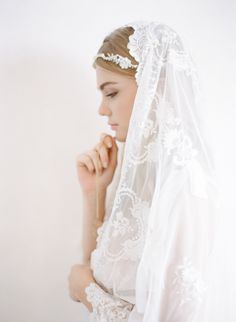 Sandra Åberg Photography - Italian Bridal Inspiration - Amalfi Coast - Jannie Baltzer veil - Boudoir photography Europe