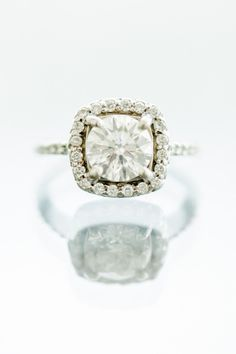 Gorgeous square cut ring: http://www.stylemepretty.com/2013/08/09/baltimore-wedding-from-l-hewitt-photography/ | Photography: L. Hewitt - http://landmhewitt.com/
