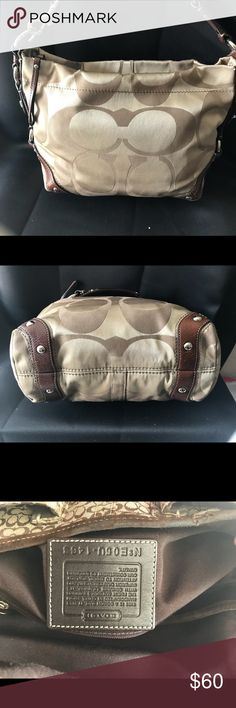 Purse Coach purse excellent condition clean, no rips, no stains free pets and free smoking house :) Coach Bags Shoulder Bags