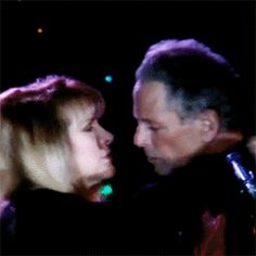 Lindsey and Stevie, what love...........via: buckingham nicks ff