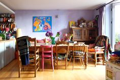 """""""I think all the pictures and furniture look better backed on colour instead of white."""""""