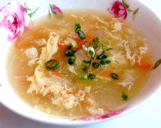 にんにくを使って風邪に効果のある、簡単に作れるスープのレシピ。