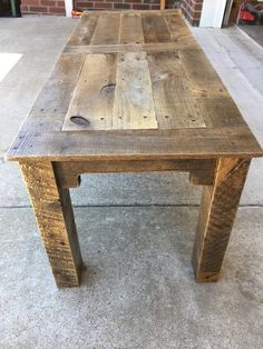 Use Pallet Wood Projects to Create Unique Home Decor Items – Hobby Is My Life Wooden Pallet Projects, Wooden Pallet Furniture, Wooden Pallets, Wooden Diy, Pallet Wood, Reclaimed Wood Benches, Pallet Ideas, Pallet Work Bench, Antique Furniture