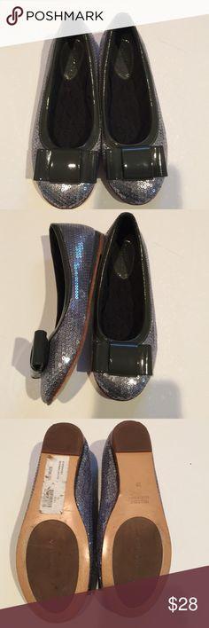 Mona Lisa silver sequined ballet flats size 2 Only worn once!!! Italian made Mona Lisa silver sequined euro size 32/ US size 2 kids MONA LISA Shoes Dress Shoes