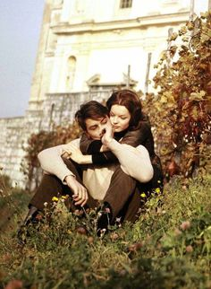 Alain Delon and Romy Schneider, 1959 Romy Schneider, Vintage Couples, Vintage Love, Cute Couples, Vintage Romance, Alain Delon, Elisabeth I, Beauté Blonde, Couple Photography